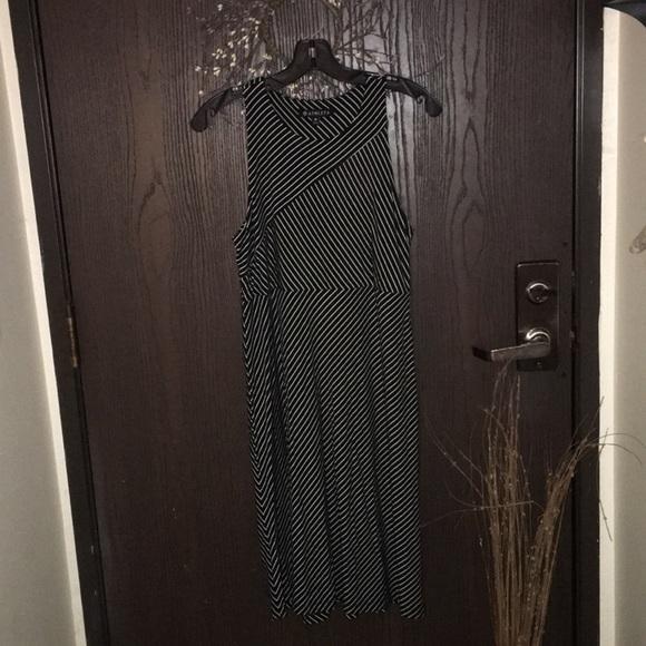 Athleta Dresses & Skirts - LN ATHLETA Black & White Striped Dress Size M
